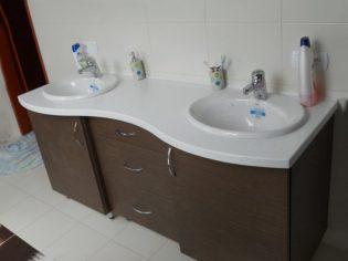 łazienka-bialo-brazowa-2