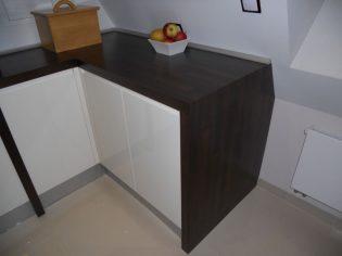 blat-drewniany-ciemny-orzech-2