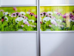 zabudowa-wnek-biel-kwiaty-zoom